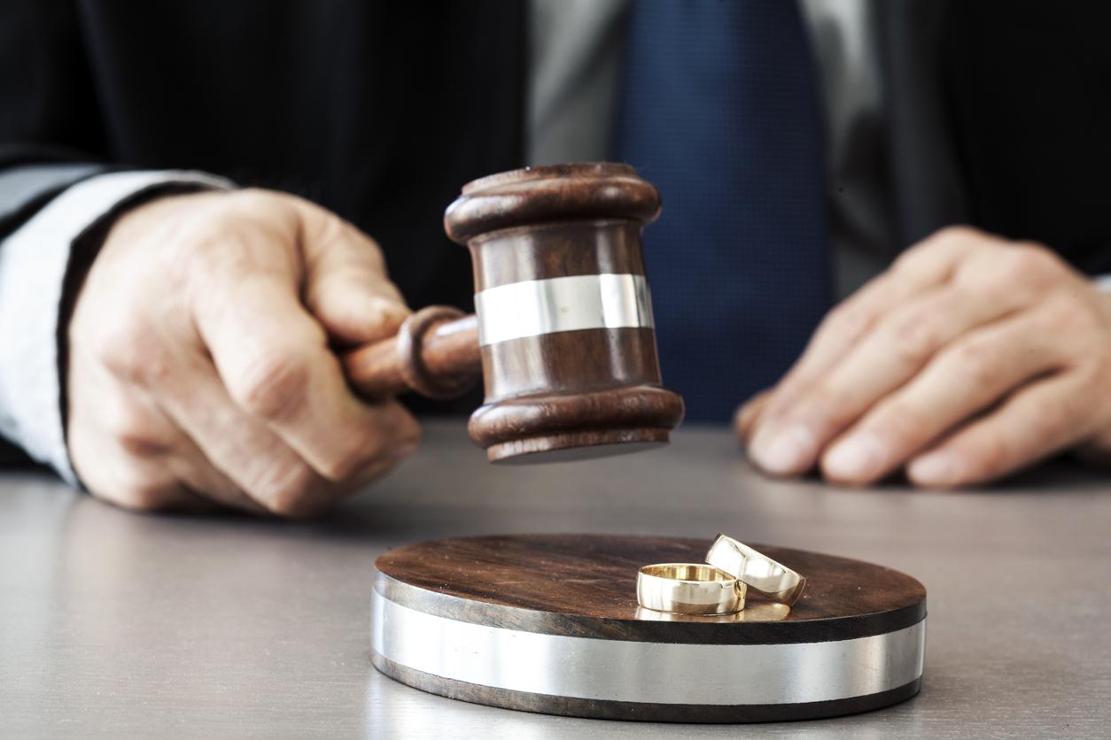 طلاق به استناد نپرداختن نفقه – وکیل خانواده در مشهد